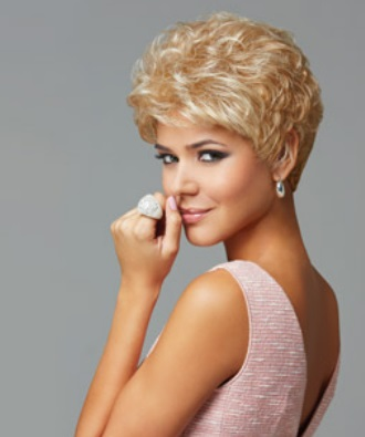 Acclaim Wig by Eva Gabor