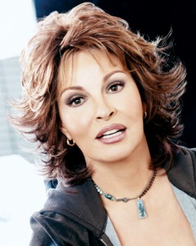 Breeze Wig<br>Raquel Welch